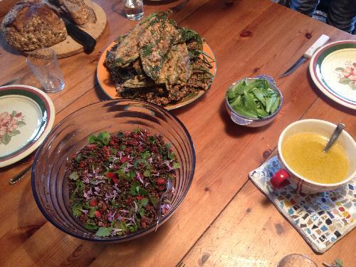 Salade composée et beignets